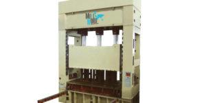 Prensa PEM34 de Montantes con Diseño realizado y optimizado de última generación
